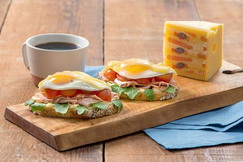Open-Faced-Fried-Egg-and-Cheese-Breakfast-Sandwich-019